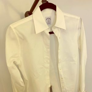 White button down. Brooks brothers New with tag!
